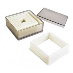 Boîte de 9 découpoirs carré lisse